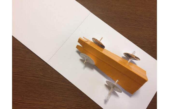 牛乳パック工作:輪ゴムで走る車の作り方【動かない原因2】