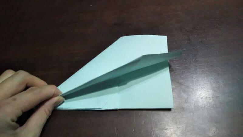 折り紙|へそ飛行機(紙飛行機)の作り方7