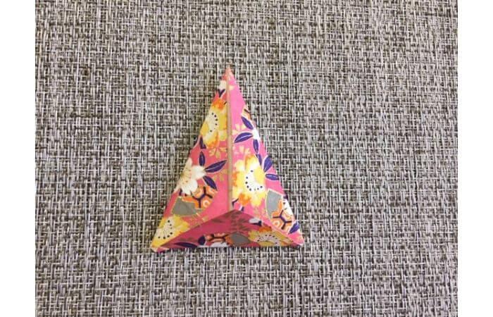 雛人形の折り紙【簡単な着物の折り方4】