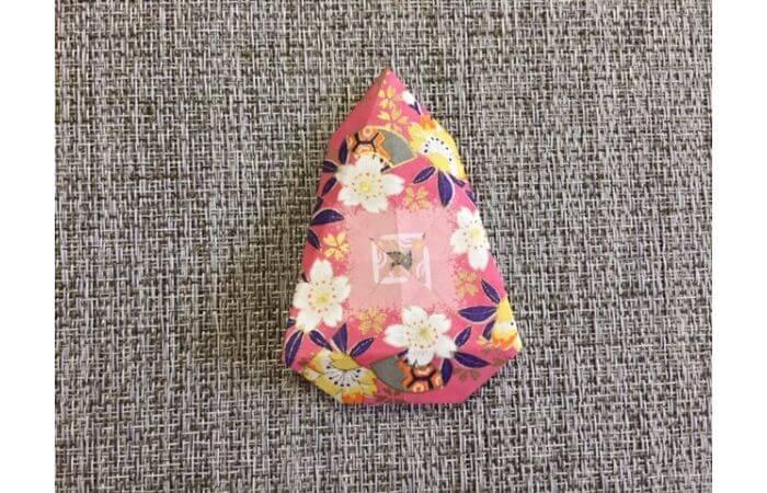 雛人形の折り紙【簡単な着物の折り方8】