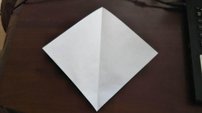 ソフトクリーム折り紙の簡単な折り方1