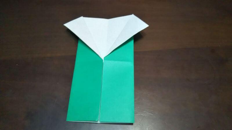 ジャケットスーツの折り方3