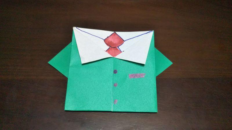 ジャケットスーツの折り方6