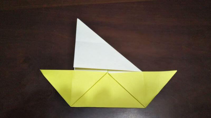 折り紙「三角ヨット」の折り方5