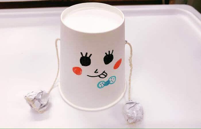 紙コップおもちゃ「デンデン太鼓」の作り方5
