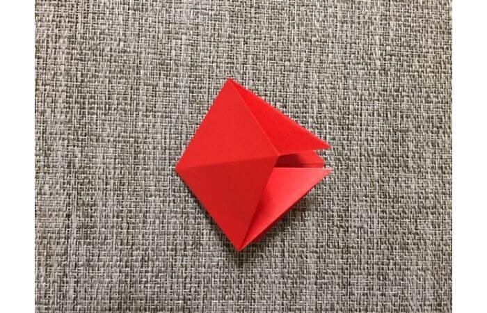 折り紙「立体的なチューリップ」の折り方10