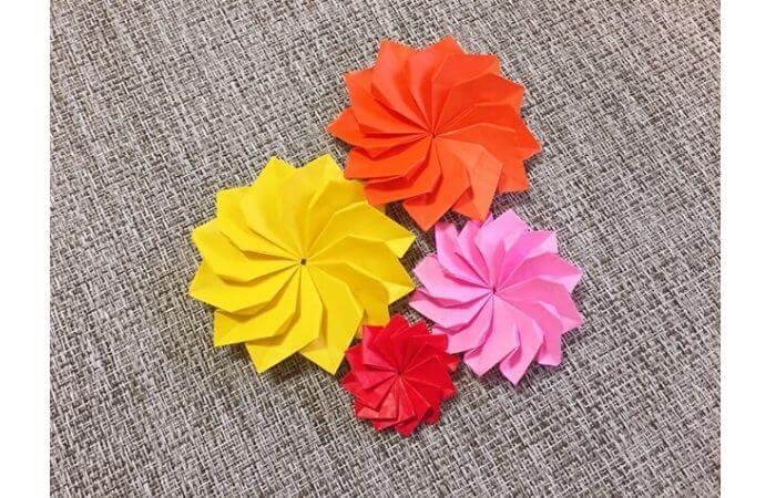 折り紙1枚で作る立体ダリア【活用例3】