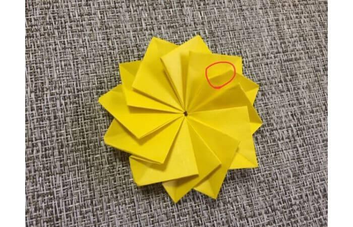 折り紙1枚で作る「立体ダリア」の折り方21