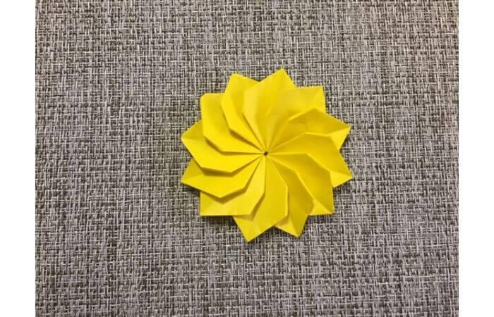 折り紙1枚で作る「立体ダリア」の折り方22