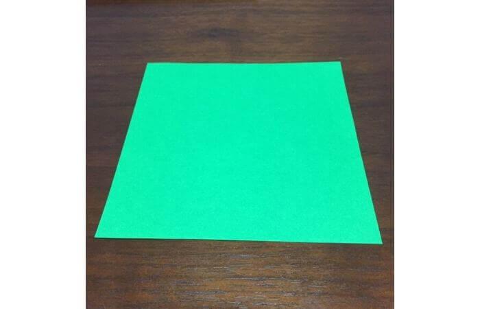 ピョンピョン跳ぶ立体的なカエルの折り方1
