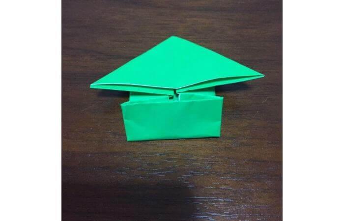 ピョンピョン跳ぶ立体的なカエルの折り方11