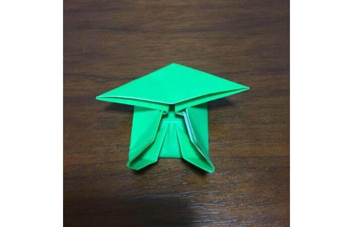 ピョンピョン跳ぶ立体的なカエルの折り方14