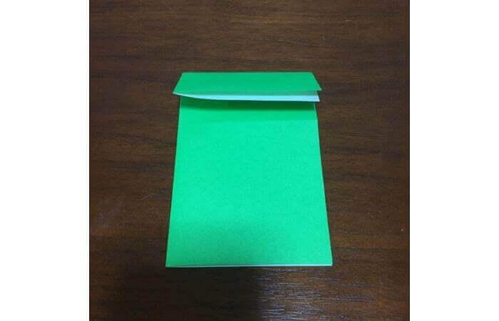 ピョンピョン跳ぶ立体的なカエルの折り方4