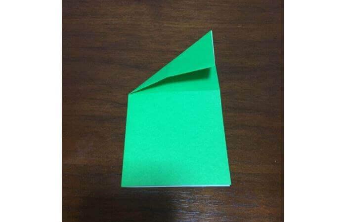 ピョンピョン跳ぶ立体的なカエルの折り方5