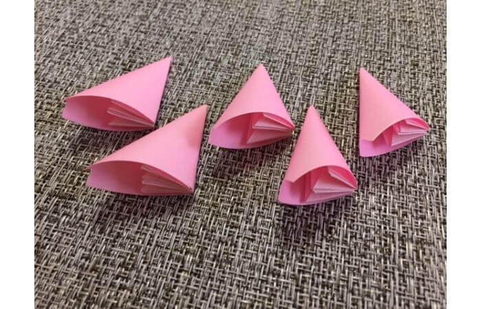簡単折り紙「桜の花びら」の折り方15