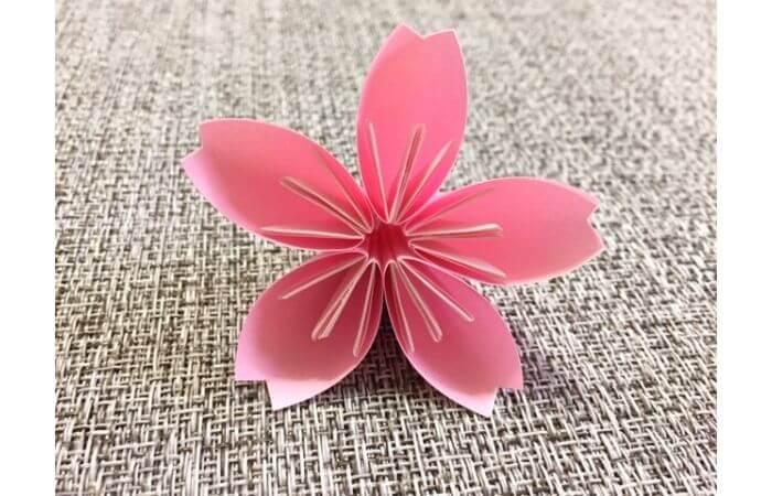 簡単折り紙「桜の花びら」の折り方19