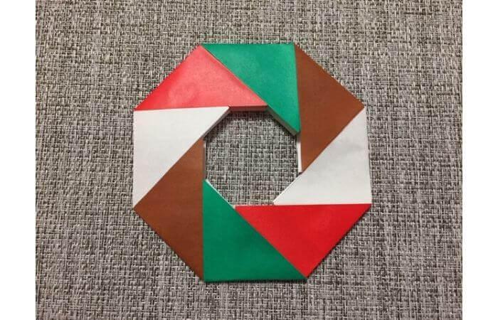 8枚の折り紙で作るリースの折り方【クリスマスアレンジ】