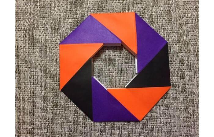 8枚の折り紙で作るリースの折り方【ハロウィンアレンジ】