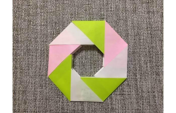 折り紙リースの作り方8