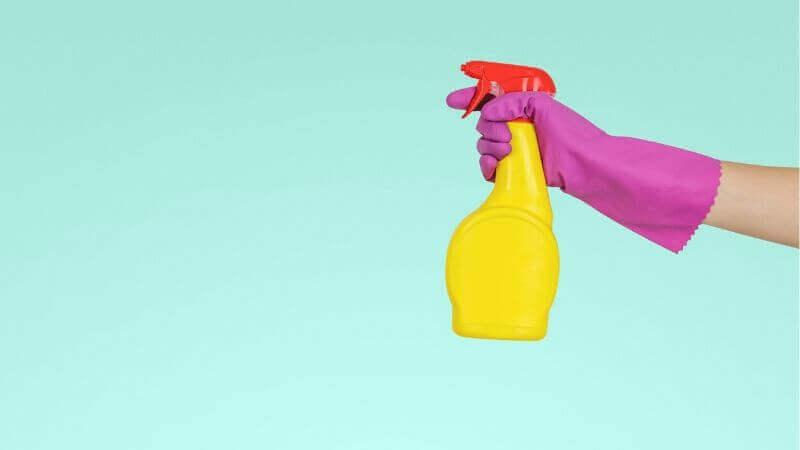 風呂掃除のやり方【カビ取り・浴槽下・鏡】