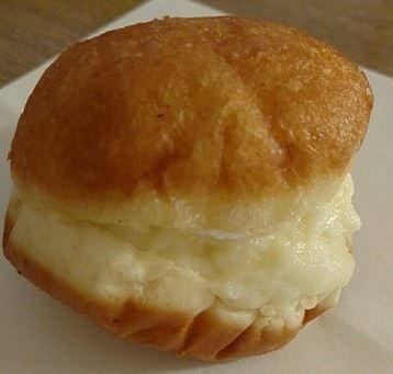 「まるき製パン所」のシスター