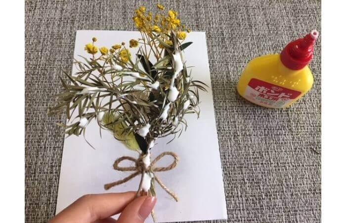 【100均DIY】立体ドライフラワーインテリア〈花束の壁面飾り〉4