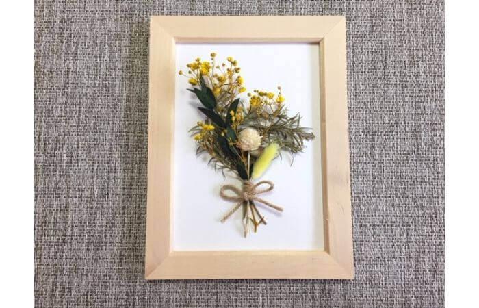 【100均DIY】立体ドライフラワーインテリア〈花束の壁面飾り〉7