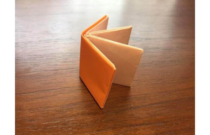 簡単折り紙の本の折り方19